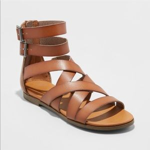 Women's gladiator sandals size 9.5 nwot